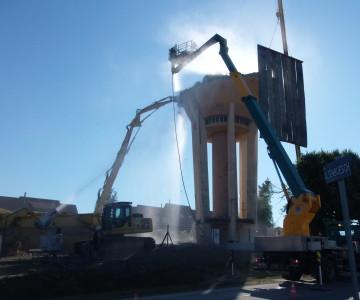 Démolition d'un château d'eau