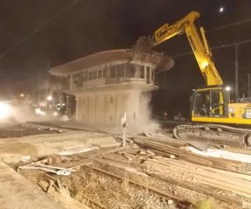 Démolition d'un poste SNCF à Réding
